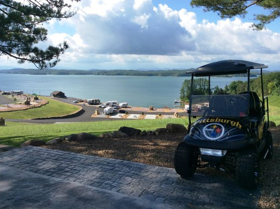 Anchor Down RV Resort: Pic from upper tier of campground