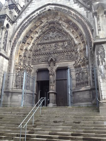 Notre Dame de la Treille: Porta lateral