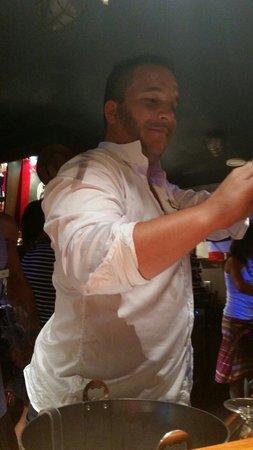 Siblu Villages - Domaine de Kerlann : William responsable bar au top avec son équipe
