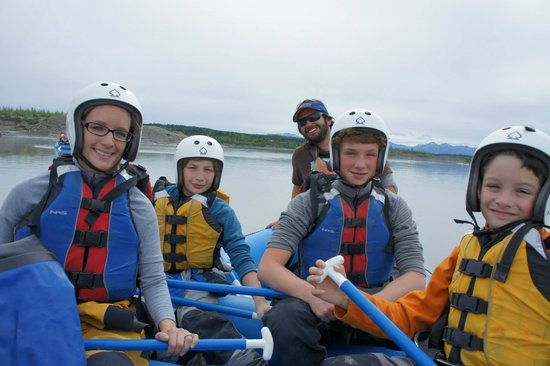 McCarthy River Tours & Outfitters - Day Tours: on the lake!