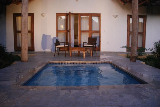 KonoKono Beach Resort: private swimming pool