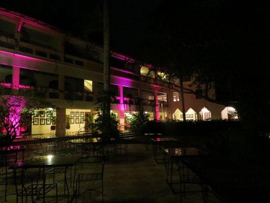 Hotel & Bungalows Mayaland: pátio
