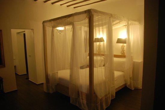 KonoKono Beach Resort: room