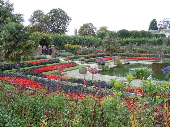 Kensington Palace: View of sunken garden