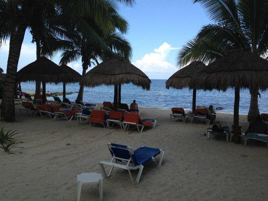 Sunscape Sabor Cozumel: Salía de la habitación directo a la playa, muy lindo.