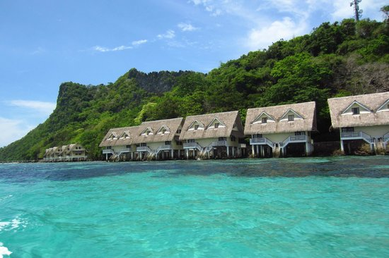 El Nido Resorts Apulit Island : 2-story water cottages with swim out decks