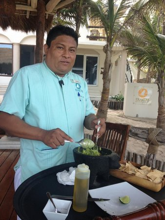 Las Ranitas Eco-boutique Hotel : Tell Carlos