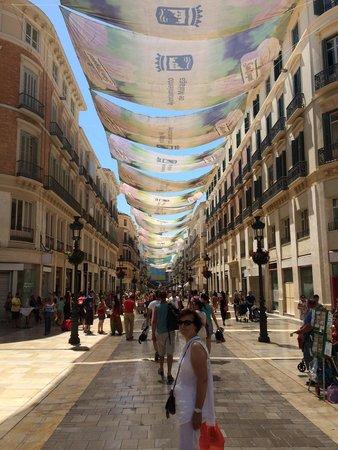 Parador de Malaga Gibralfaro : Malaga,avenida Molina Lario, Avec ces toiles tendues pour se protège du soleil