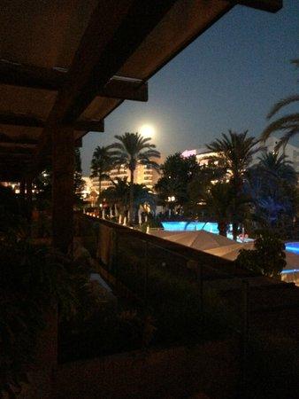 Viva Sunrise: Night view from room/balcony