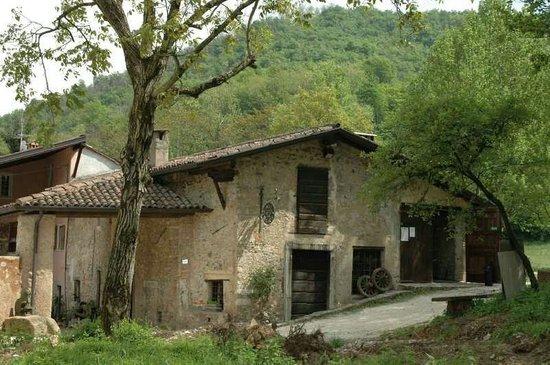 Ome, อิตาลี: Il Borgo del Maglio