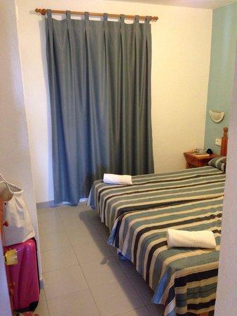 Vacances Menorca Resort: Camera da letto