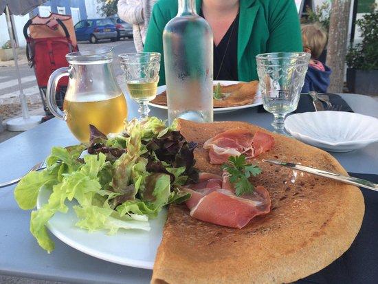 Creperie Les Tilleuls : Galette chèvre figue et jambon