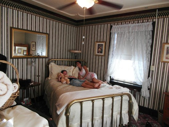 1859 Historic National Hotel : our room