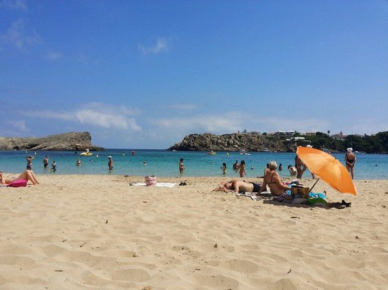 Fiesta Hotel Castell Playa: Lovely beach