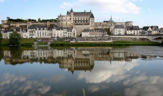 Château d'Amboise : Amboise Chateau on Loire River