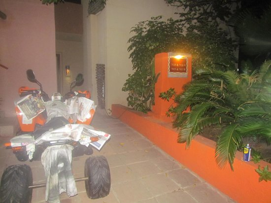 Gambia Coral Beach Hotel & Spa: Quad Repairs 'R' Us
