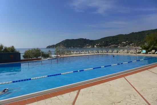 Hotel Hermitage -- Portoferraio: piscina centrale