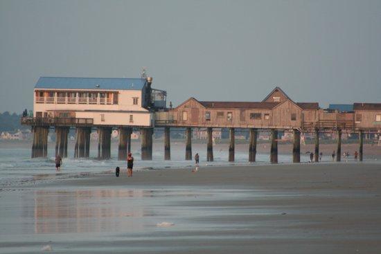 Echo Motel & Oceanfront Cottages: Pier