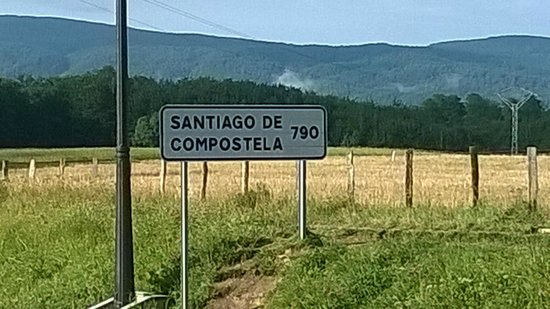 Colegiata de Roncesvalles: Distancia desde Roncesvalles a Santiago de Compostela