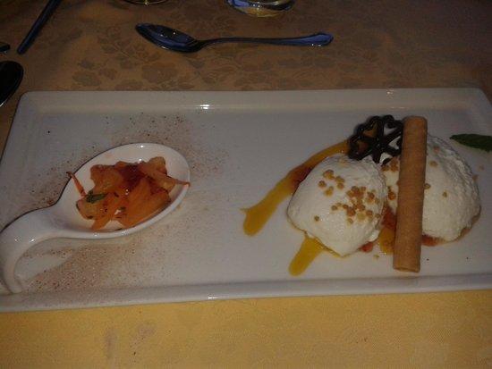 Gartenhotel  Daxer: leckeres Dessert nach dem Abendessen