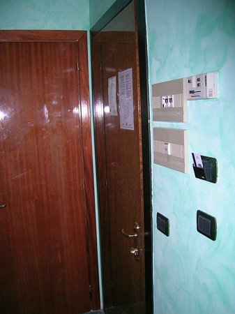 Marco Polo: Un edificio antiguo pero el hotel era confortable con AA y Calefacción