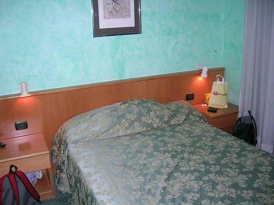 Marco Polo: La cama cómoda y la ubicación interna de la habitación era silenciosa