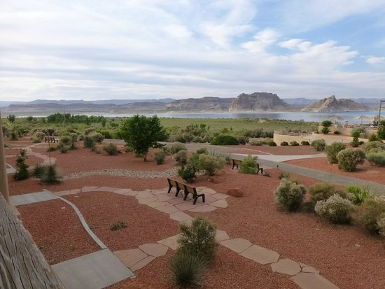 Lake Powell Resort : The view from our balcony