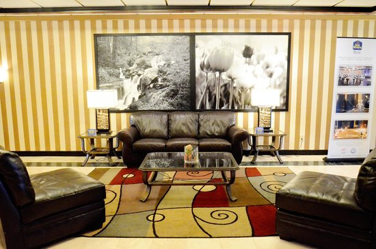 BEST WESTERN PLUS Milwaukee Airport Hotel & Conference Ctr.: Lobby