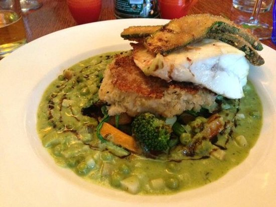 The White Horse Restaurant: Cod over crab cake and curried peas was wonderfully memorable