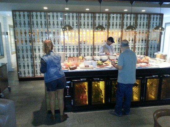 Stallmastaregarden Hotel: Nice room, average food, lousy service!