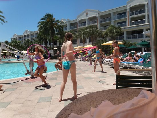 Holiday Inn Club Vacations Cape Canaveral Beach Resort: Hula Hoop contest