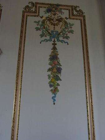 Croome : The Dining Room Wall