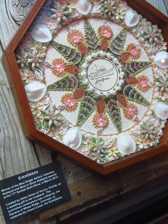 The Bailey-Matthews National Shell Museum: Award-winning shell skrimshaw art.