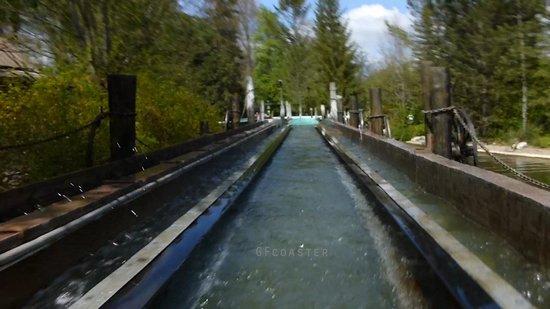 Nigloland : Attention au splash sur la rivière canadienne !!! PLOUF