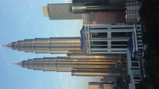 Renaissance Kuala Lumpur Hotel: vista dalla camera tramonto