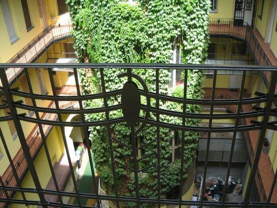 Budapestay Apartments: morning look