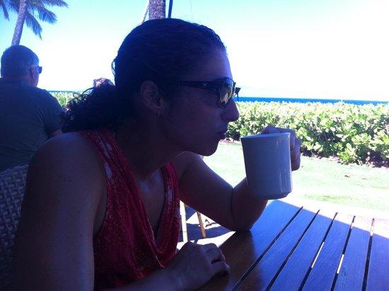 Aston Maui Kaanapali Villas : Beach behind the hedge...