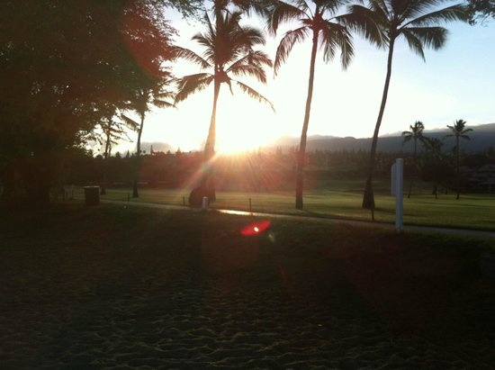Aston Maui Kaanapali Villas: Sunrise over the golf course next door.