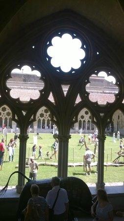 Cathedrale Sainte-Marie de Bayonne: Desde el interior del claustro