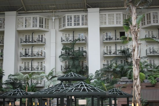 Gaylord Opryland Resort & Convention Center : Our room is on the top two connecting rooms with a suite separating (living area)