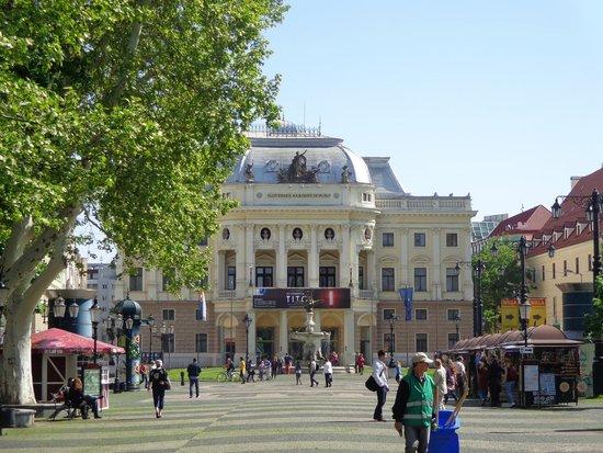 Slovak National Theatre: Teatro Nacional Eslovaco