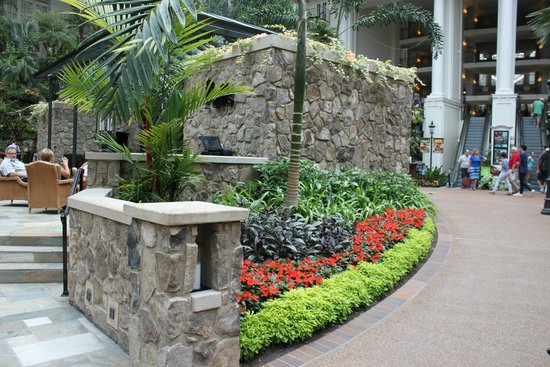 Gaylord Opryland Resort & Convention Center : Grounds