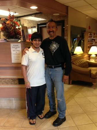 Mt. Rushmore's Washington Inn & Suites: Abhi and Me - Exceptional Service