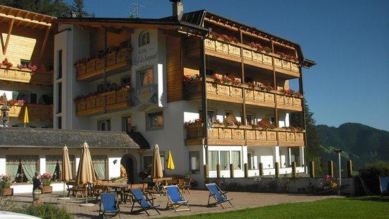 Hotel Lech da Sompunt : Vista dell'Hotel