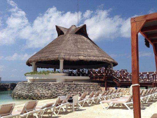 Hard Rock Hotel Riviera Maya: Our beach bar and lagoon