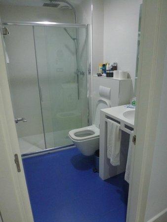 Sun Village : Общий вид ванной. Казалось все не плохо, но...