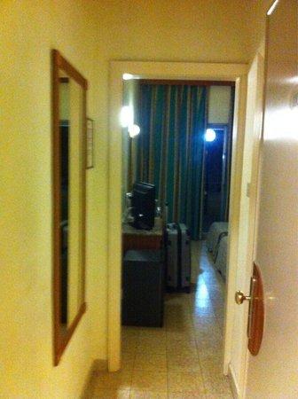 Topaz Hotel: Ingresso