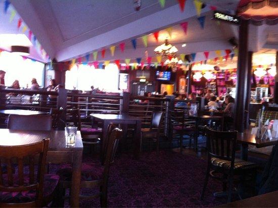 Yates's: Upstairs bar