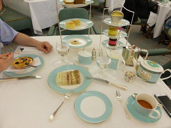 The Diamond Jubilee Tea Salon: notre tea time