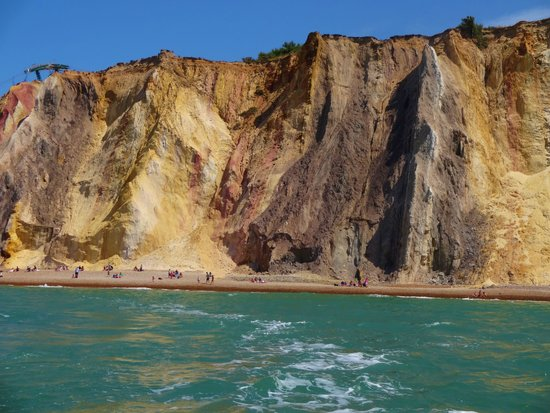 The Needles : Coloured cliffs